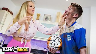 BANGBROS - MILF Rebecca More Fucks Her Filthy Step Son Sam Bourne