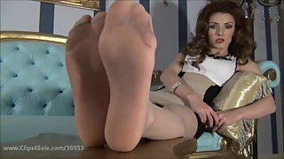 Devious Queen nylon pantyhose feet